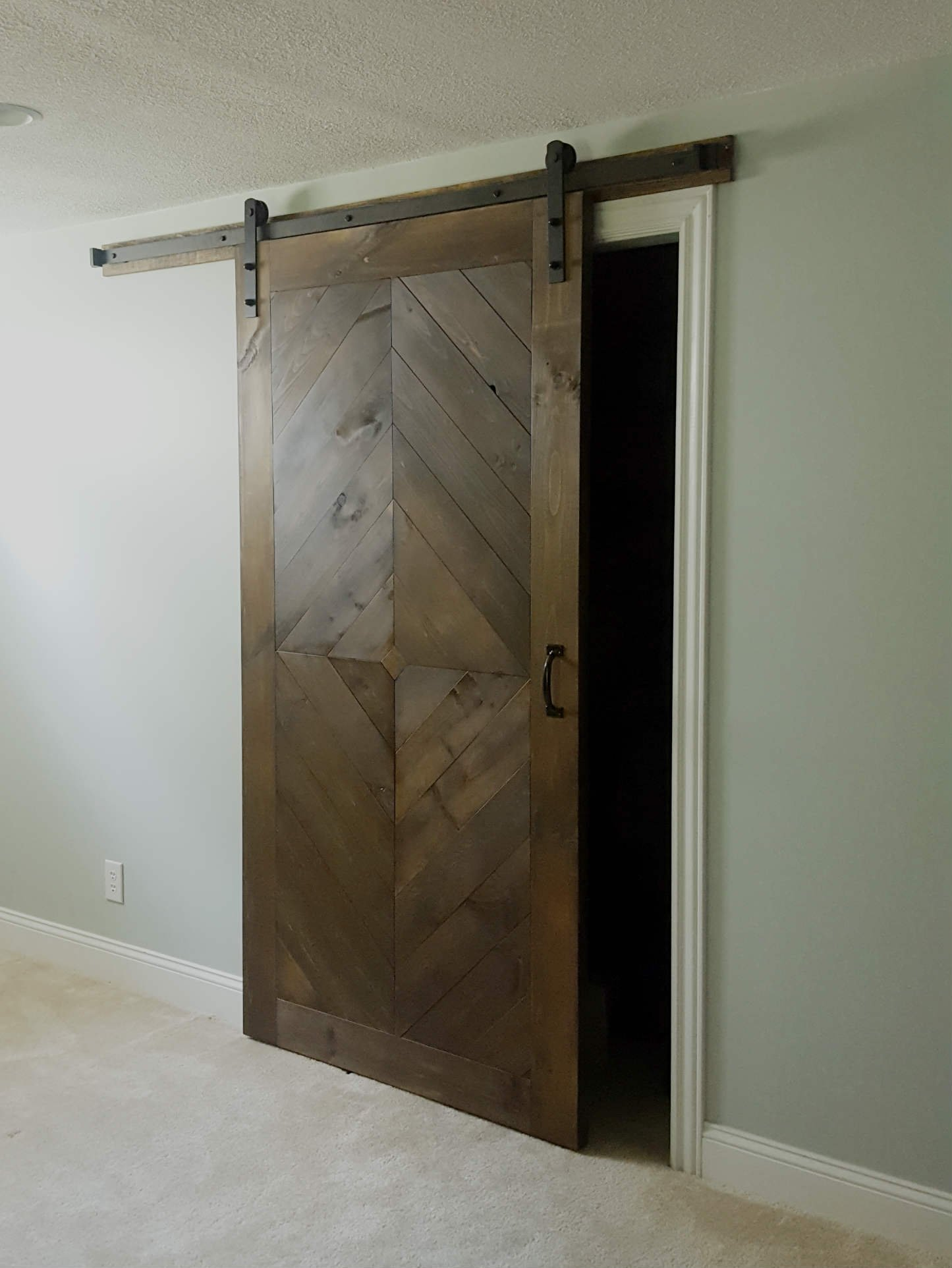 Diamond sliding barn door walston door company for Sliding door company